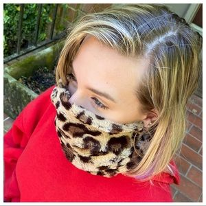STAY SAFE LEOPARD INFINITY SCARF FACE COVER